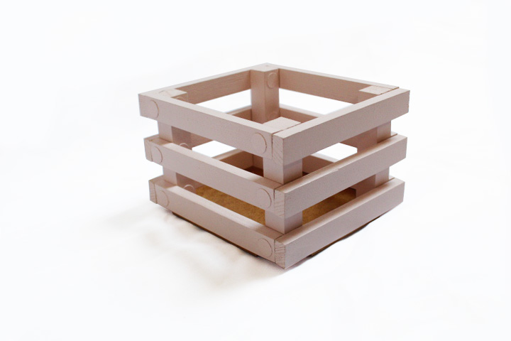 Drewniana skrzynka na zabawki